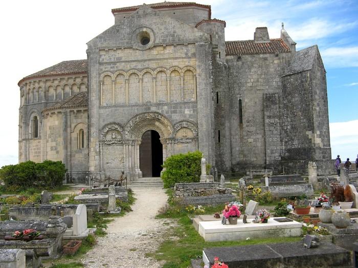 Talmont-sur-gironde eglise